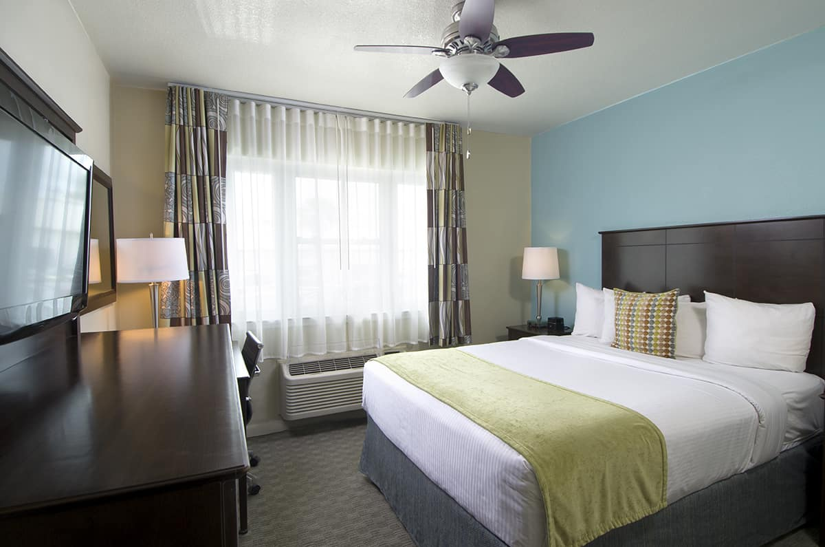 The Inn's Standard Hotel Room with a Queen Bed